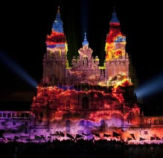Illumination et «brûlage» de la façade dans la nuit du 24 juillet