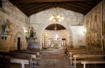Der Innenraum der Kirche Santa María de Leboreiro, Melide