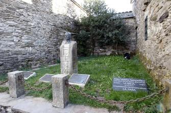Homenaxe a Elías Valiña no Cebreiro
