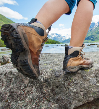 It is preferable to use boots which secure the ankle but do not apply excessive pressure
