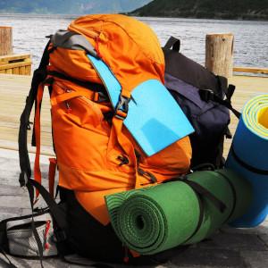 Mochila cargada con el equipamiento necesario